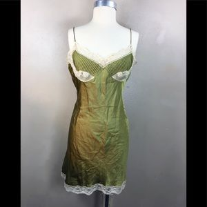 Valerie Stevens olive silk lace slip/chemises sz L